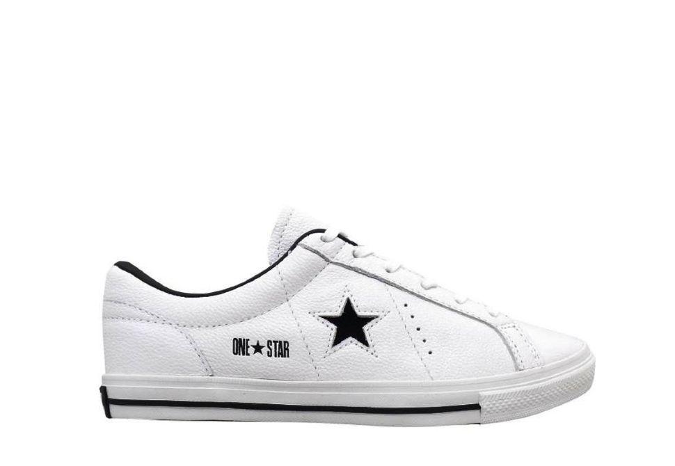 Кожаные кроссовки Converse (конверс) One Star 121639 белые купить по ... 994271d0fc2